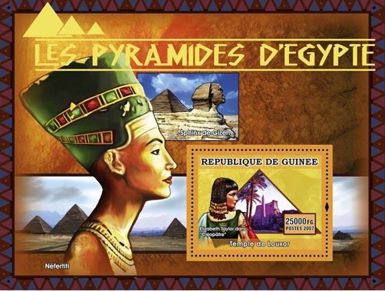Temple de Louxor, Elisabeth Taylor dans  Cleopatre - Issue of Guinée postage stamps